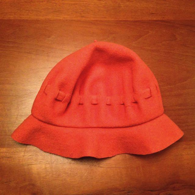 橘色毛料抽繩泡芙帽