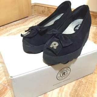 義大利名牌 RUCO LINE  二手 雞皮 娃娃鞋 黑色
