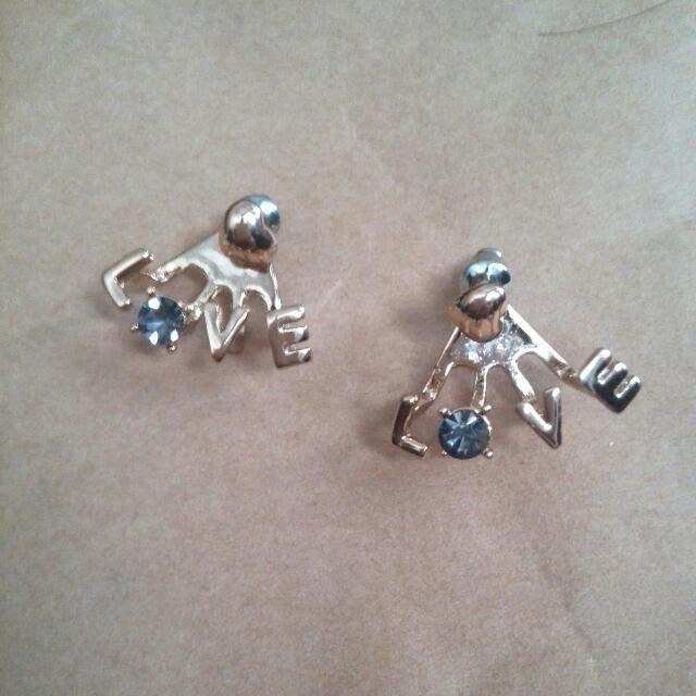 <現貨>love灰色水鑽耳環