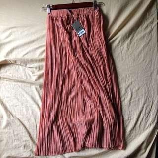 BNWT Cristelle Flowy Skirt w lining