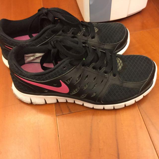 Nike 慢跑鞋 24.5號