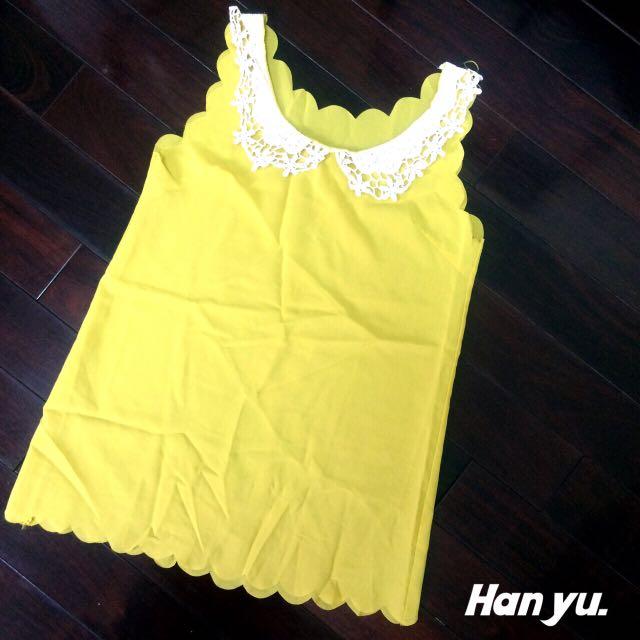 小雕花領黃色花瓣上衣