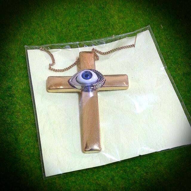 十字架長眼睛個性項鍊