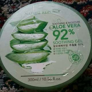 BN NATURE REPUBLIC ALOE VERA Soothing & Moisture 92% Soothing Gel with Organic Aloe