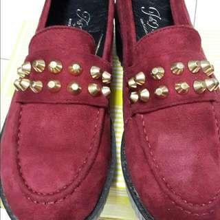 FM   酒紅鉚釘鬆糕鞋