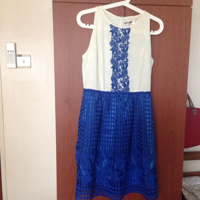 Kiyo Dress Size M Slight Discoloration as seen in pic2 Worn Once Only
