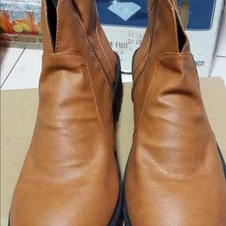 艾美時尚   棕靴子 側邊拉鍊