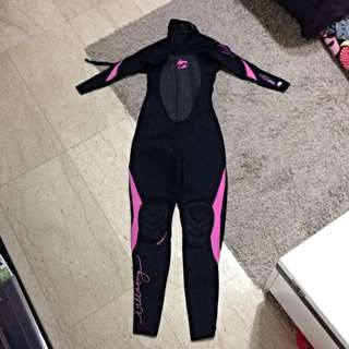 SALES Diving / Surfing Suit For Woman