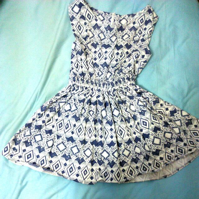 藍白幾何洋裝