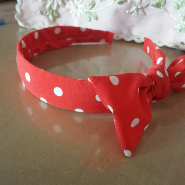 Brand New white Polka Dot Hair Band Original Price 12.90 From Artbox