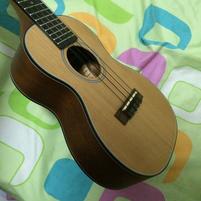 (RESERVED) Brand New Ukulele