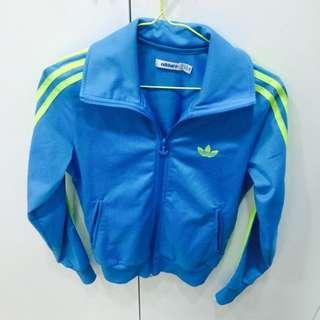 Adidas女版外套