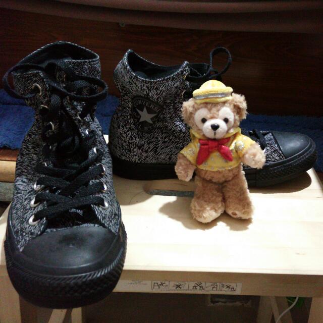 Converse All Star. 黑白 帆布鞋。 高筒。反光。。動物花紋