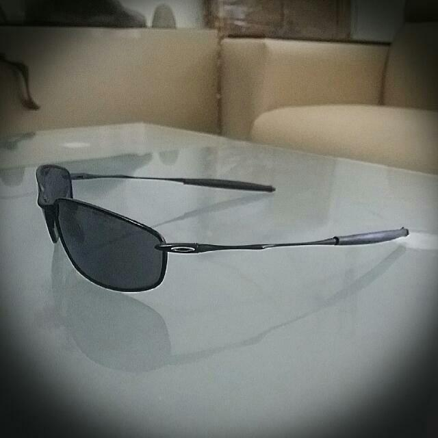 b3f638b1ab7 Authentic Oakley Whisker 05-715 (Preloved)