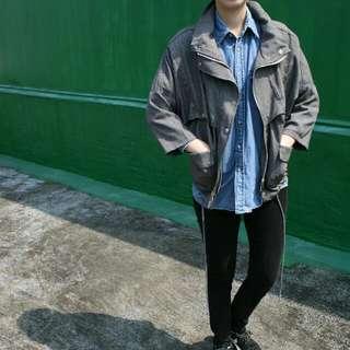 灰色風衣外套