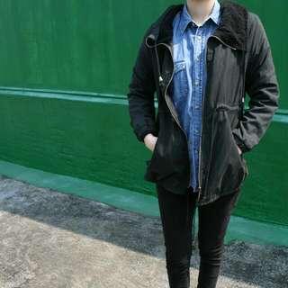 黑色蜜桃絨外套