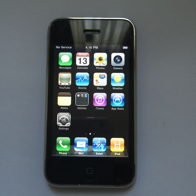 (RESERVED) iPhone 3G (8GB)