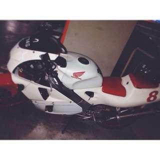 Honda rvf 400rs