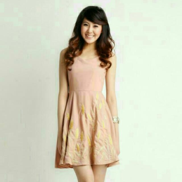 Lilypirates Touch Of Gold Dress in nude beige size S b6758c5ad