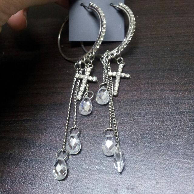 十字架水滴造型耳環