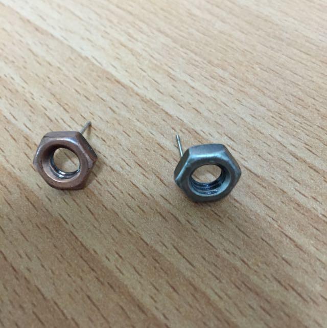 金屬質感耳環
