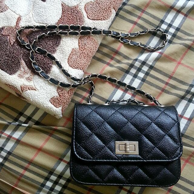 Black Quilted PU Sling Bag