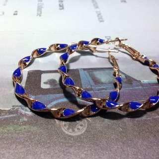 🚚 藍金扭結耳環