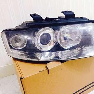 Audi A4. (b6)原廠魚眼大燈組  二手品