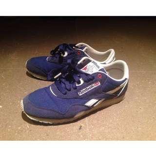 Reebok藍色復古休閒運動鞋