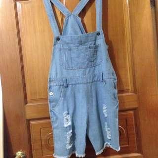 淺藍牛仔5分吊帶短褲