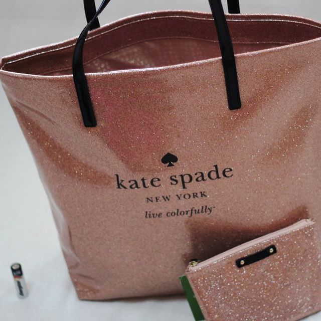 😻🎉sale!!BN Kate Spade Bag With Pouch