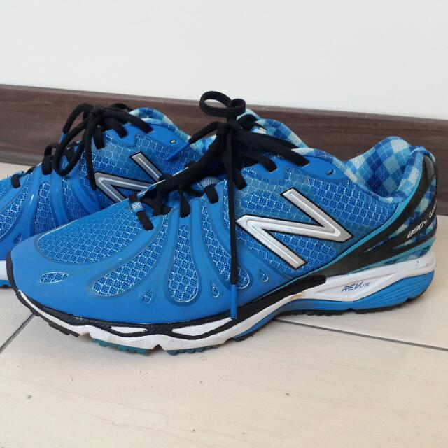 N B慢跑鞋(大降價)