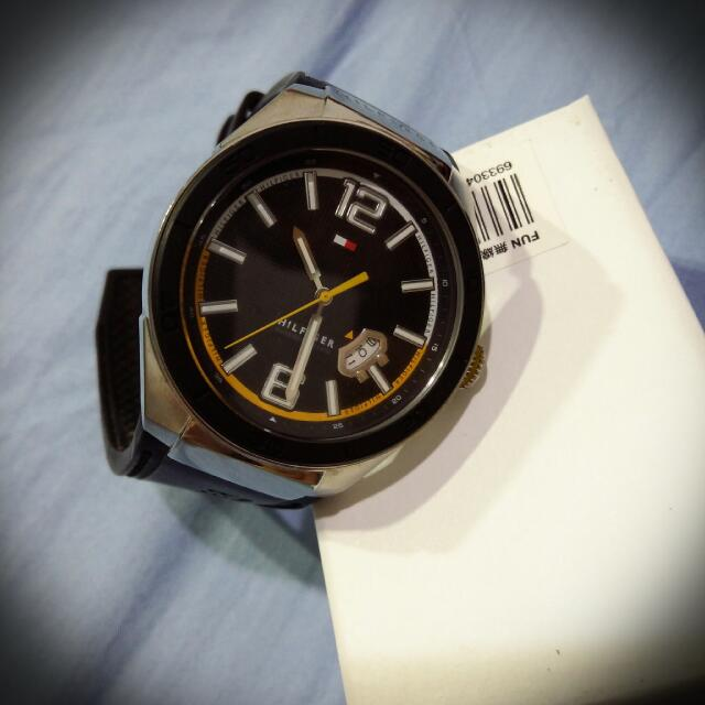 便宜賣唷~~~保證正貨Tommy 手錶