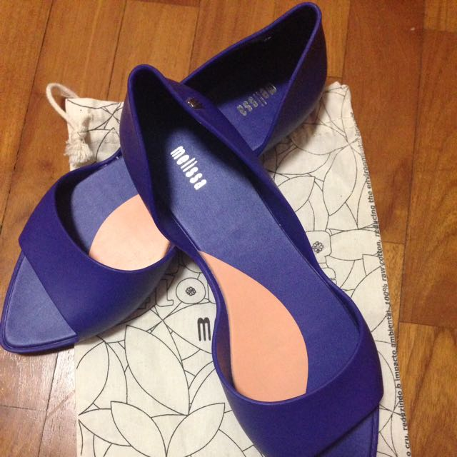 Melissa Shoes USA7 BN ( w/out box ) Selling as size is too big for me