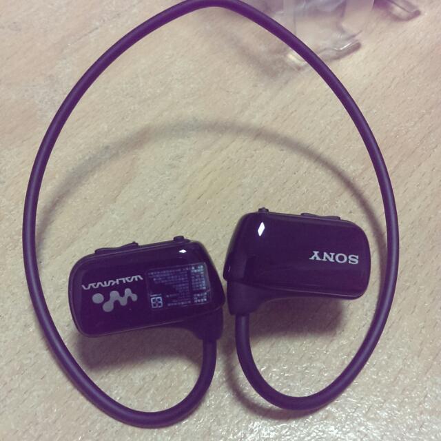 SONY 防水型隨身聽耳機  4G