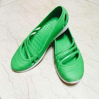 Adidas 防水娃娃鞋雨鞋