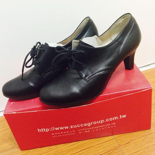 黑色軟皮低跟裸靴 24