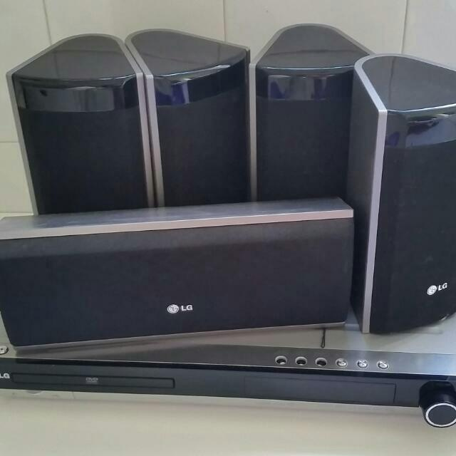 LG DVD player with speakers