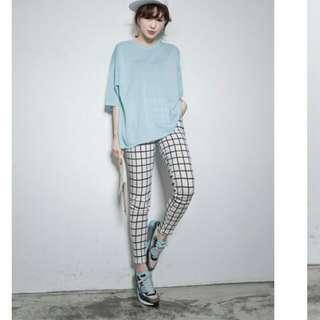 lulu's超顯瘦彈性白色內搭格紋長褲