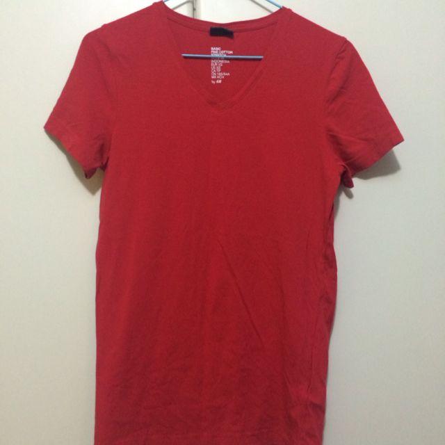 H&M Basic Tshirt.
