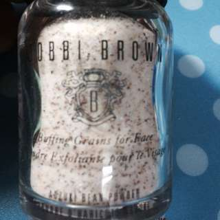Bobbi Brown: Adzuki Bean Powder Scrub