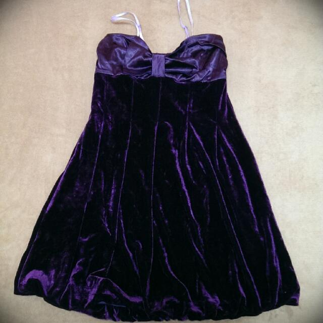 天鵝絨燈籠小洋裝