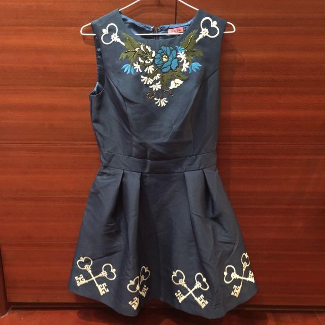 Chi Chi London 藍綠色超精美裙子
