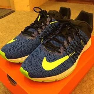 Nike Air Zoom慢跑鞋