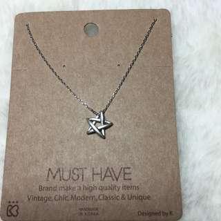 韓國設計款 五芒星 鎖骨鏈