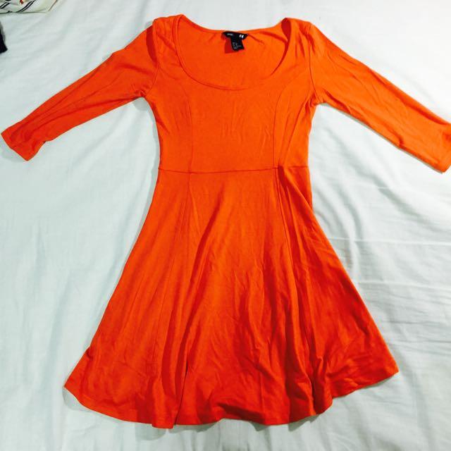 H&M橘色洋裝