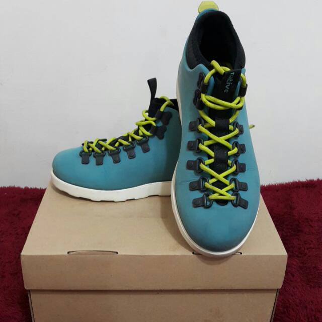Native防水休閒鞋