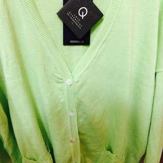 蘋果綠針織衫