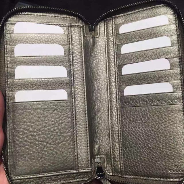 442b5b2129a3 Gucci Soho Leather Double Zip-around Wallet, Luxury on Carousell