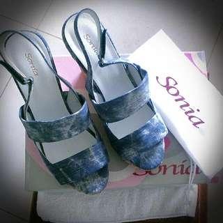 Miss Sofi姐妹品牌Sonia美鞋